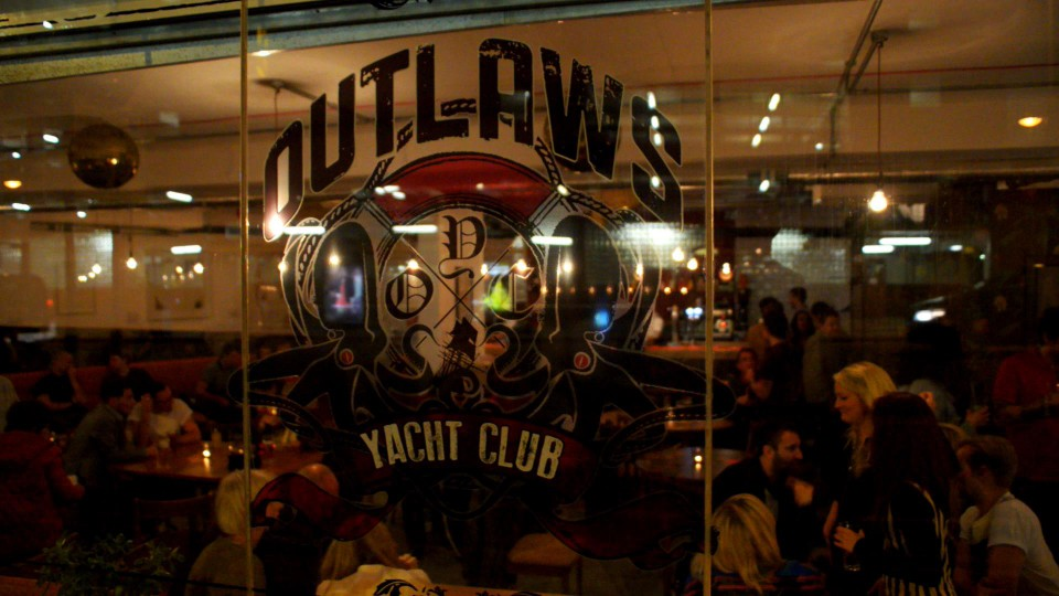 20130131152759_outlawsoutside.jpg